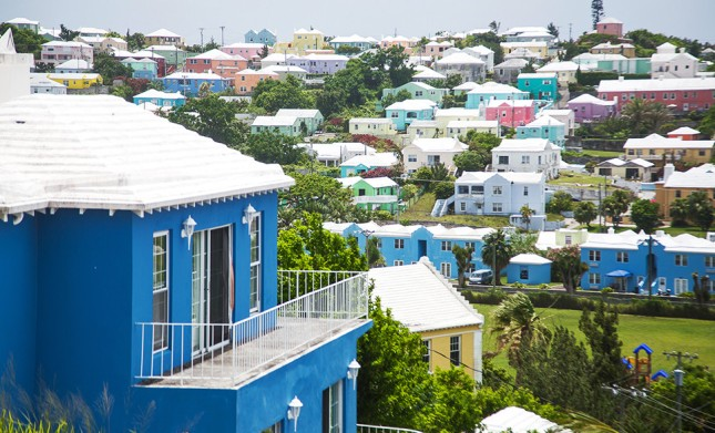 bermuda-rooftops-houses-colorful